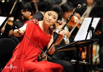 于红梅二胡演奏的时代特色及其在海内外的影响 -红梅花开 香飘天涯